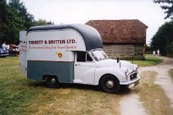 Morris-Minor-Gown-Van