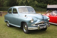 Standard_Vanguard_-_NOX_569_at_Armley_Mills_2011_-_IMG_2817