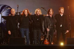 eagles-grammy-awards-live-2016-a-billboard-1548